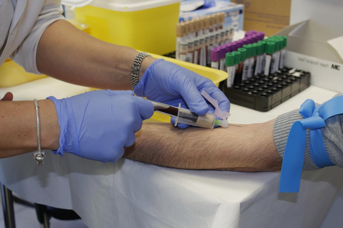 Análisis de sangre en un seguro privado